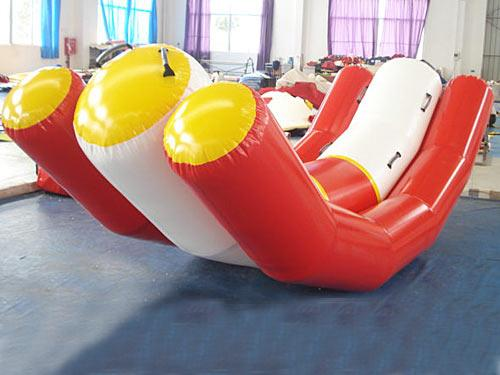 0.9mm Pvc Tarpaulin Inflatable Water Seesaw With 4 Seats En71-2