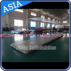 ประเทศจีน Rectangle Shape Gym Sport  Inflatable Tumble Track In 20cm For Cheerleading โรงงาน