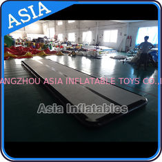 ประเทศจีน Jumping Inflatable Tumble Air Track Used Outdoor For Training โรงงาน