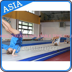 ประเทศจีน Cheerleading Club And Gymnasium Inflatable Air Tumbling Track Used For Training โรงงาน