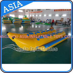 ประเทศจีน Water Sleds Banana Inflatable Boats Heavy Duty For 6 Passengers Water Games โรงงาน