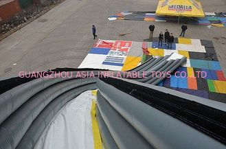 ประเทศจีน Inflatable Curved Yacht Slide, Inflatable Water Sports Games โรงงาน
