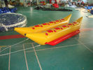 Dual Lane Inflatable Blue And Yellow Banana Boat For 8 Persons , Inflatable Water Games ผู้ผลิต