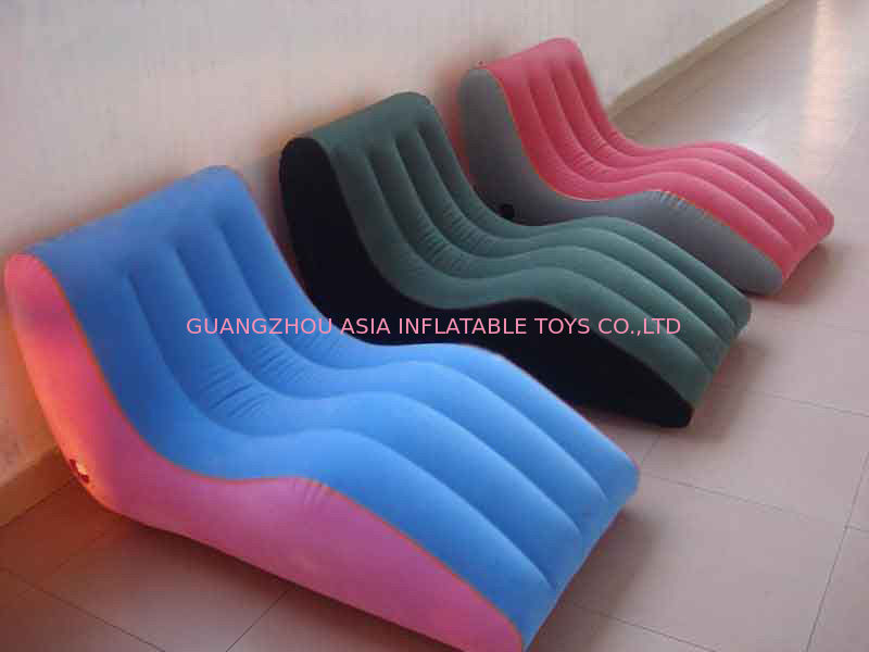 Modern Portable Inflatable Chesterfield Sofa , Inflatable Colorful Furniture ผู้ผลิต