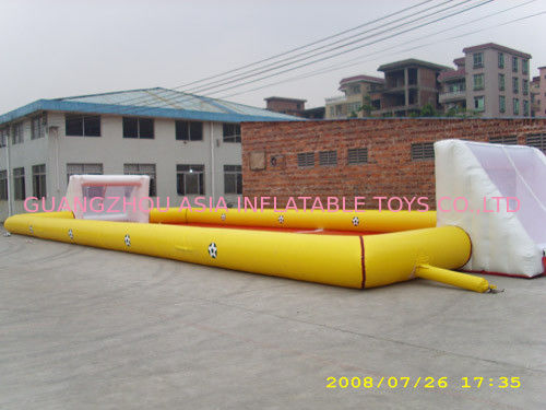 High Quality 0.9mm Pvc Tarpaulin Inflatable Soccer Field For Sale ผู้ผลิต